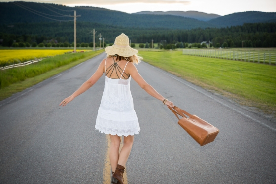 style me montana, melissa richardson, robert richardson, joes jeans, white dress, frye boots, taylor swift boots, montana, whitefish, sun hat, boho jewelry,